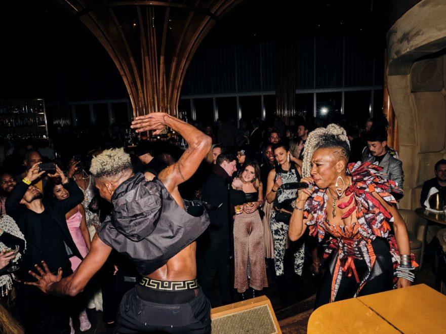 Blanc Dance Party